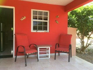 Adorable 2 bed 2 bath Home Bubali - 3 minutes to Eagle Beach