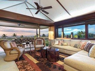 Elegant Home in Hualalai Resort has Stunning Ocean Views and Golf Cart