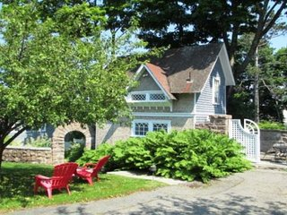 Bagatelle Guest Cottage - Bar Harbor