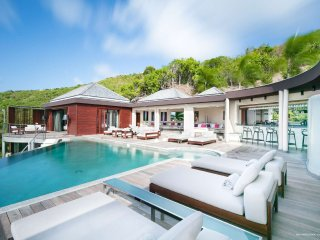 Villa Castle Rock brings a new grandeur and versatility to St Barts