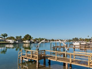 Ultra Luxury Waterfront 5-bedroom Home Pool/Dock, short walk to beach