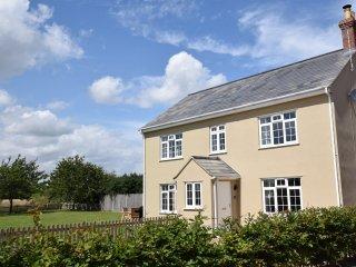 46478 House in Winterton-on-se