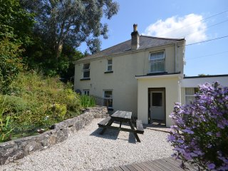 THWIL House in Newquay