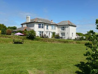 TRGAS House in Bude