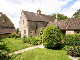 CC032 Cottage in Stow-on-the-W