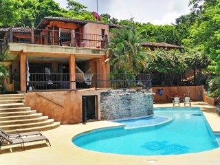 Bella Vista  Luxury GUESTHOUSE   (Ocean Views and Pool in San Juan del Sur)