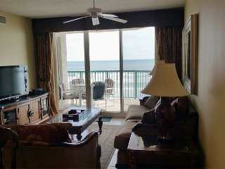 Relax in Luxury 2/2 Beachfront w/Big Jacuzzi Tub Lower Floor DTT #402