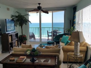 Direct Oceanfront Luxury Condo, See the Ocean from Your Bed!