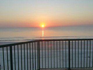 30% off Spring Rates! 3 bed/3 bath Direct Oceanfront Condo