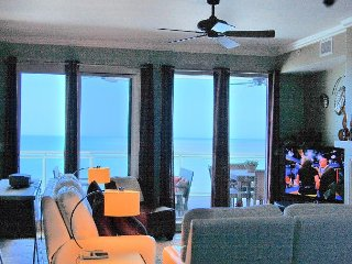 3/2.5 2 Oceanfront Master Suites, Huge Balcony in Ocean Vistas