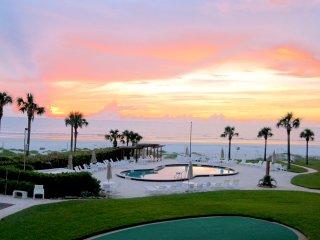 New Smyrna Beach Condo w/Ocean View By Flagler Ave