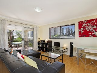 Peurto Vallerta unit 12 - Great value, great location in Coolangatta, Southern G