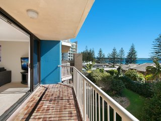 Carool unit 6 - 2 bedroom ensuited unit in the heart of Rainbow Bay