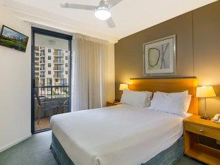 Calypso Plaza Resort Unit 310 - Central Coolangatta Beachfront location