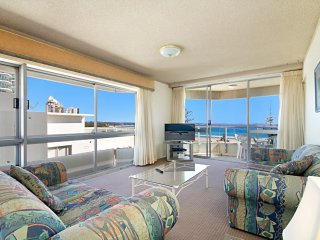 Kooringal Unit 18 - Great views and easy walk to Tweed Heads and Coolangatta
