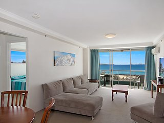 Ocean Plaza Unit 936 - Right on the beach in the centre of Coolangatta