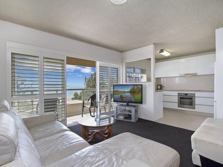 Kooringal unit 19 - Right on the Greenmount Beach Coolangatta Gold Coast