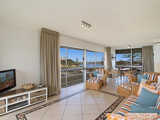 Kooringal unit 14 - Right in the centre of Coolangatta and Tweed Heads with Wi-F