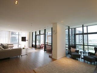 Luxurious 4 Bedroom + Hall in the Heart of City Walk,  Dubai Downtown