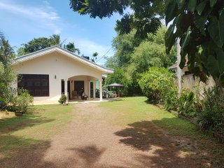 Luxury Double Room In Weligama where is picturesque bay an offshore islet where