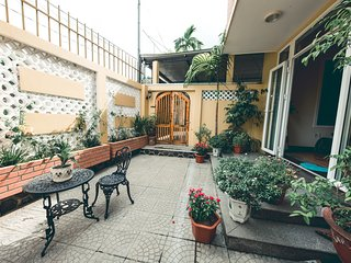 HillSide Homestay Hue - Top Apartment