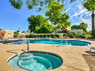 NEW! 3BR Scottsdale Townhome w/Community Pool Area