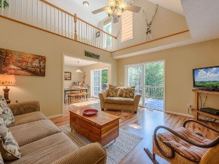 Sleeps 10, Minutes to Tweetsie, Blowing Rock and Boone, Long Views, Game