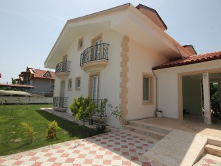 Villa Colour 2 Fabulous 6 bed 6 bath villa with Rock Tomb Views Maras area