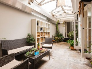 Gloucester Terrace Abode apartment in Westminster with WiFi, private terrace & l