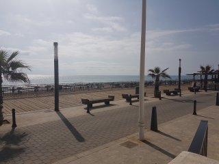 Oceanfront. Primera linea de playa. Frente al mar.