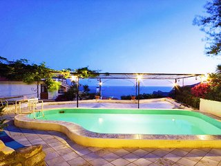 Villa Carlotta,with private pool in Sorrento Coast