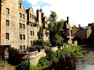 2 bedroom apartment close to Edinburgh City Centre - Dean Village