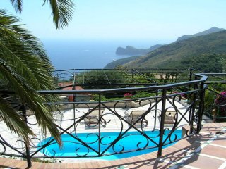 Villa Carlotta with private terrace/pool and nice ocean view in Sorrento coast