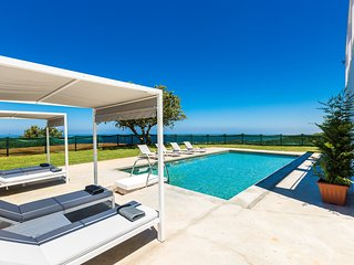 Villa O², High Quality Villa with Full Privacy, Pool & Exceptional Sea View!