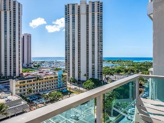 Studio1215 Ocean & Diamond Head View~Book Now for Special Nightly Rate $116