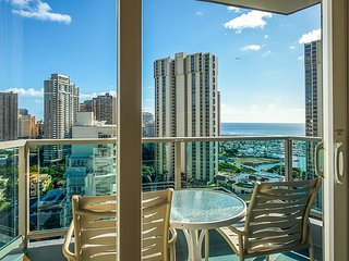 On 19th Floor with OCEAN & Diamond Head Views, Book Now at Special Rate!