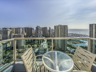 2BR/2.5BA  Premier Suite on 33 Floor, Beautiful View! Book Now at Best Rate!