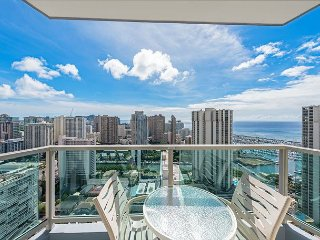 33rd Floor RARE Executive Suite  2BR/2.5BA w/kitchen&laundry, Book Now!