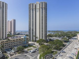 Studio Ocean View and Diamond Head, Book Now!