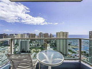 34th Floor Ala Moana Large Regal Suite - 2Br/3Ba, Book Now at Special Rate!