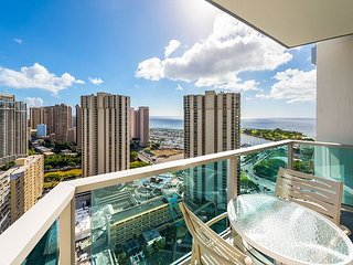 Ocean View Studio 30th Floor with Private Balcony, Book Now!