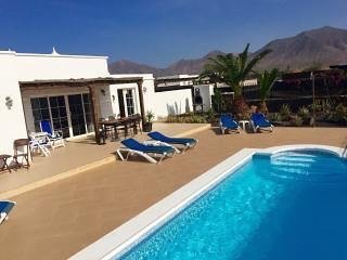 Beautiful 3 bed villa, Sleeps up to 8 people, Huge Terrace, Electrically Heated Pool and Free Wifi