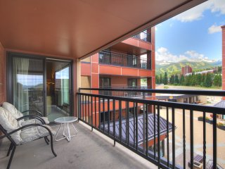 Slopeside 1Br Steps to Mountain Fun + Summer Experiences!
