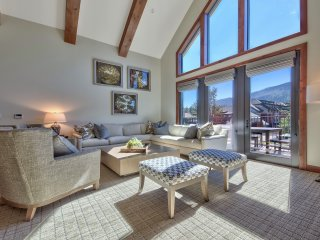 Luxury 4Br Residence steps from Heavenly Village & Gondola