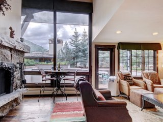 Rustic Mountain View 2Br Condo- Lodge at Vail