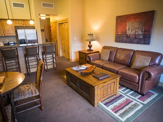 Large condo, steps away from Canyons Village
