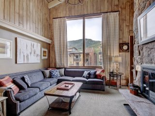 Dazzling 3 Br Condo at the Lodge at Vail & Premium Amenities