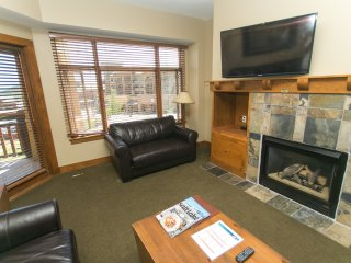 1Br Condo in Canyons Village. Private patio & fireplace! ~ RA161649