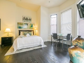 115 Rittenhouse - Large Studio