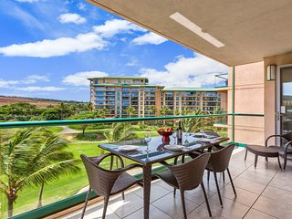 Enjoy the gorgeous Maui outdoors on the spacious 175 sq ft balcony